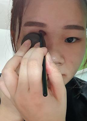 cut crease hack with bottle cap 5 minute makeup