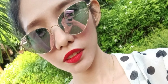 red lip cover